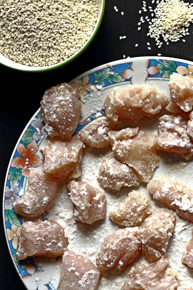 Szezámmagos csirke sütés előtt